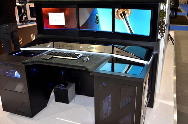 Amazing Three Screen PC Setup