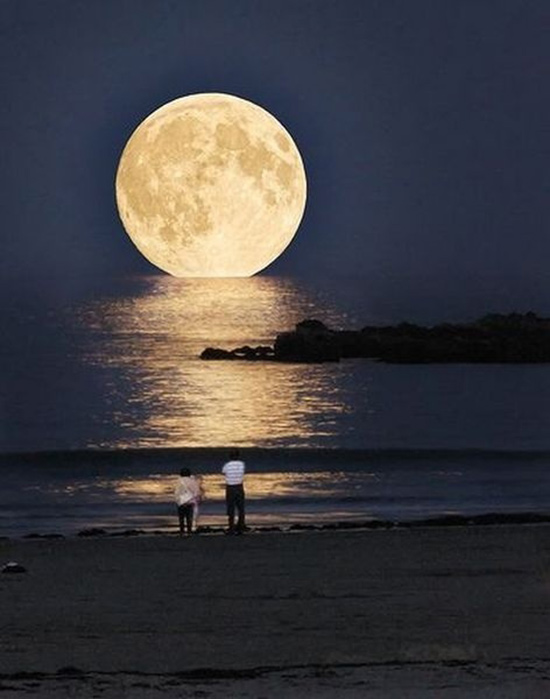 Beautiful Moon – View from the Beach